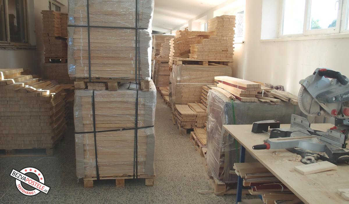 Výroba dřevěných lamel do postelových roštů